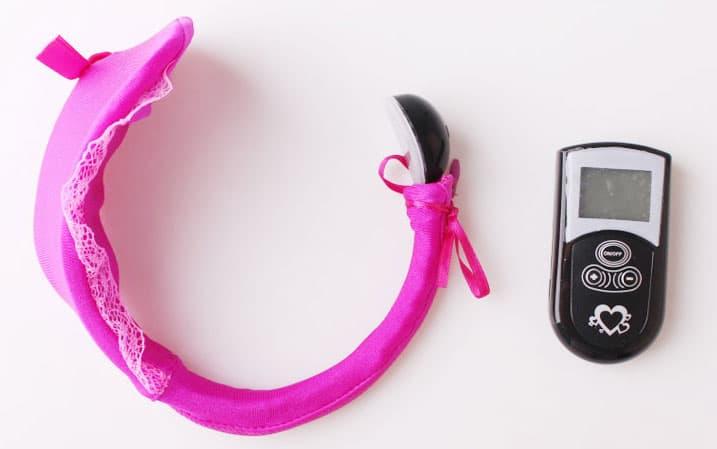 Đồ chơi tình dục -quần chíp rung động cho nang cảm giác lạ